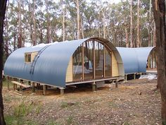Describes construction of a RAL house in Victoria, South Eastern Australia Quonset Hut Homes, Cabin Homes, Tiny Homes, Roof Cladding, Floating Floor, Dome House, Unusual Homes, Earth Homes, Steel Buildings