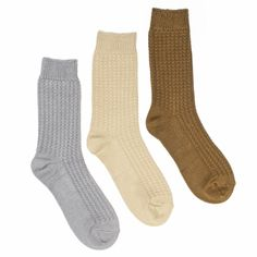 Casual or Dressy, you can't go wrong with our 3 Pair Pack of Women's MUK LUKS Crew Socks. This sock pack is a multi pack of different colored socks and is made of 88% Polyester Microfiber, 11% Nylon,