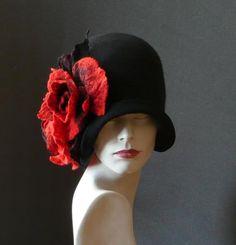 Black Felted Hat felt hat Cloche Hat Flapper 1920 by Feltpoint Gatsby Hat, 1920s Hats, Flapper Hat, 1920s Flapper, Flappers 1920s, Fancy Hats, Love Hat, Black Felt, Felt Hat