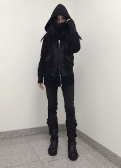 """circuitbird: """" circuitbird: """" Today's New York snow gear """" Someone asked in the tags how I could possibly be warm in this in the snow: wool tights under my jeans and Uniqlo heattech undergarments...."""