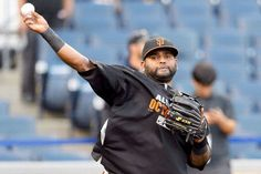PITTSBURGH, PA - OCTOBER 01: Pablo Sandoval #48 of the San Francisco Giants warms up during batting practice prior to their National League Wild Card game against the Pittsburgh Pirates at PNC Park on October 1, 2014 in Pittsburgh, Pennsylvania. (Photo by Jason Miller/Getty Images)