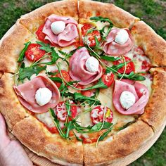 Biga: Το μυστικό των Ιταλών για ελαφριά και εύπεπτη πίτσα! - www.olivemagazine.gr Calzone, Kitchen Hacks, Vegetable Pizza, Cooking Recipes, Vegetables, Food, Chef Recipes, Essen, Vegetable Recipes