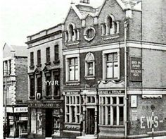Oldham pubs Family Tree Photo, Our World, Sketching, United Kingdom, Nostalgia, Photos, Pictures, England, Victorian