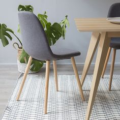 Zen silla gris Zen, Dining Chairs, Furniture, Home Decor, House Decorations, Grey Chair, Oak Tree, Shelving Brackets, Decoration Home