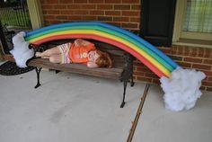 Globos de colores y algodón son suficientes para que tengan su propio arco iris en casa