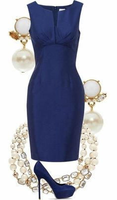 Une combinaison élégante de bleu Le bleu est classé parmi les nuances les plus nobles. Komplette Outfits, Classy Outfits, Beautiful Outfits, Fashion Outfits, Womens Fashion, Fashion Trends, Classy Dress, Amazing Outfits, Party Outfits