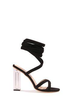 27e3aa6f07f3 Adoptez ces sandales lacets femme avant qu'il ne soit trop tard ! Avec leur