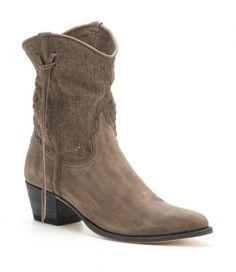 12502 Lia Inca Óxido 213 Gris | Botas vaqueras para mujer Sendra de caña corta calada con una suave piel pulida gris, la mejor elección fashion en verano. | Womens Sendra openwork ash leather low cowboy boots