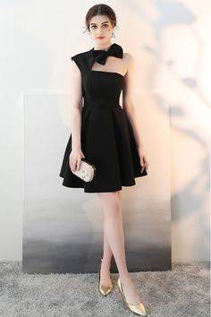 Shop Little Black Homecoming Dress with Cute Bow Open Back online. SheProm offers formal, party, casual & more style dresses to fit your special occasions. High Low Prom Dresses, Black Party Dresses, Dressy Dresses, Elegant Dresses, Homecoming Dresses, Long Dresses, Black And White Short Dresses, Short Frocks, Party Frocks