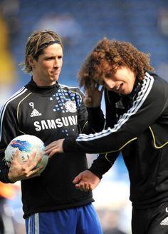 Fernando Torres and David Luiz Chelsea Football, Chelsea Fc, Football Fever, Go Blue, Arsenal Fc, Soccer Players, Cristiano Ronaldo, Premier League, Cool Photos