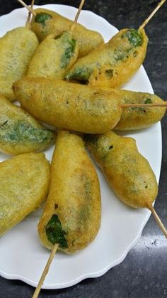 Finger Food Appetizers, Finger Foods, Spanish Tapas, Mexican Food Recipes, Ethnic Recipes, Romanian Food, Tasty, Yummy Food, Food Decoration