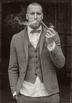beardbrand: Pipe, beard, and style