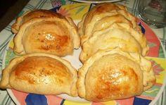 Receita de Empanadas chilenas Easy Meals, Easy Recipes, Carne, Bread, Chicken, Pastel, Food, Facebook, Empanadas Recipe