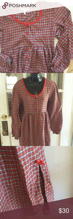 Vintag 90s victoria's secret Looking for the perfect holiday pajamas ? These red and green plaid pattern long nite gown will make the perfect Christmas night gown half button 2 side small side slit with bow detail nite gown is 49 inches long the side slit is around 13 inches long Victoria's Secret Intimates & Sleepwear Pajamas