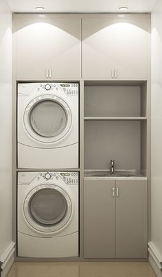 19 Most Beautiful Vintage Laundry Room Decor Ideas (eye-catching looks). Modern Bathroom Designs For Small Spaces Laundry Cupboard, Laundry Room Cabinets, Laundry Closet, Laundry Room Organization, Laundry In Bathroom, Small Bathroom, Laundry Basket, Bathroom Ideas, Laundry Room Small