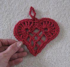 scandanavian heart crochet