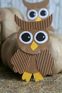 Fall Crafts with children - Owls tinker 2 Kids Crafts, Animal Crafts For Kids, Owl Crafts, Fall Crafts For Kids, Craft Activities For Kids, Preschool Crafts, Projects For Kids, Art For Kids, Kids Diy