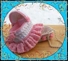 Bassinet Trinket Or Gift Box.Crochet Pattern by craftsforangels