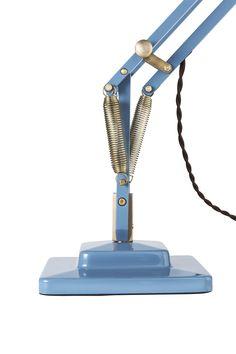 Anglepoise® Original 1227™ Brass Desk Lamp http://www.atakdesign.pl/pl/p/Original-1227-Brass-lampa-biurkowa/3038