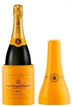 Veuve Clicquot 'Le Cone' Champagnekoeler met fles Veuve Clicquot, Beverage Packaging, Beverages, Drinks, Champagne, Advertising, Alcohol, Bottle, Drinking