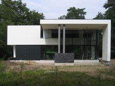 Woonhuis in Doorn - ontwerp Maas Architecten. Glass House, Modern House Design, Future House, Facade, Cottage, Interior Design, Handy Man, Cubic Foot, Outdoor Decor