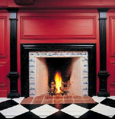 For much of the 18th century, most fireplaces lacked mantels; instead, the entire wall might be decorated with raised paneling. Photo: Sandy Agrafiotis