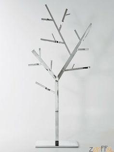 Kare Design Boom Kapstok Technical Tree - Deze onweerstaanbare combinatie van een traditionele vorm in een moderne materiaalsoort, biedt uw bezoekers een wel heel fraaie gelegenheid om hun jassen, dassen en tassen op te hangen. Uitgevoerd in roestvrij staal. Bekijk te combineren RVS producten >