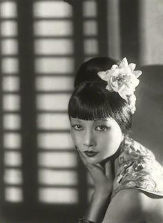 Anna May Wong, 1933, photo by Paul Tanqueray