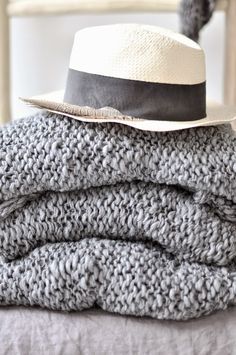 monday TO sunday HOME: MY FAVORITE SCARF
