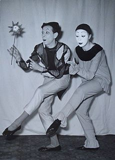 Jacques Copeau, strongly influenced by Commedia dell'arte and Japanese Noh theatre, used masks in the training of his actors. Étienne Decroux, a pupil of his, was highly influenced by this and started exploring and developing the possibilities of mime and developed corporeal mime into a highly sculptural form, taking it outside of the realms of naturalism. Jacques Lecoq contributed significantly to the development of mime and physical theatre with his training methods