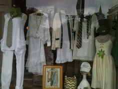 The Grey Colt recognized Western Reserve Academy graduates with their Reserve-inspired window display in Hudson, Ohio