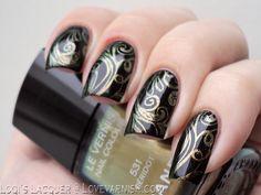 Love Varnish: Christmas Nails - Golden Curls