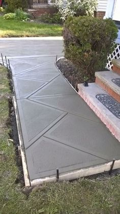 Beautiful concrete ramp >>> See it. Watch thousands of spinal cord injury videos at magical side yard and backyard gravel garden design ideas your garden into a fairy land to append a little door to one of your trees and a Concrete Patio Designs, Cement Patio, Concrete Driveways, Concrete Tiles, Walkways, Concrete Path, Diy Concrete, Diy Patio, Backyard Patio