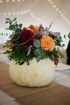 Use a pumpkin centrepiece for your fall table. Scare Up Autumn Fun with Colorful Halloween Wedding Centerpieces White Pumpkin Centerpieces, Pumpkin Vase, Pumpkin Display, Pumpkin Flower, Centerpiece Ideas, Pumpkin Bouquet, Table Centerpieces, White Pumpkins, Fall Pumpkins