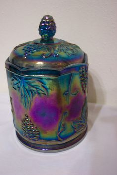 Indiana Carnival glass.  I've got this in the blue, green and marigold :)