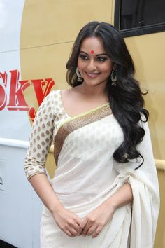 Sonakshi Style Saree | For More collection of #Celebrity #Saree #Collection @ www.prafful.com