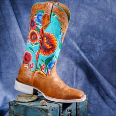 26026ed2b7bb3 Women s Ariat Circuit Champion 10019943 square toe cowgirl boots Cowboy  Boots