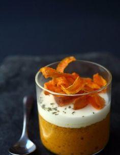 Petits flans aux carottes épicées, crème au chèvre frais