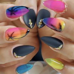 Tropic Sunset Nail Art Looking for fun summer nails designs in trendy colors? We have simple and cool nail art ideas for you to sparkle on a beach. Nails Inc, Diy Nails, Nail Art Designs, Cheap Nail Polish, Gel Polish, Sunset Nails, Vacation Nails, Short Nails Art, Beautiful Nail Designs