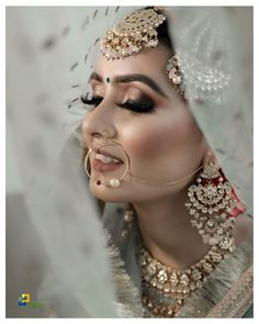 Indian Bridal Outfits, Indian Bridal Fashion, Indian Bridal Lehenga, Pakistani Bridal, Indian Dresses, Best Bridal Makeup, Bridal Makeup Looks, Indian Bridal Makeup, Bride Makeup