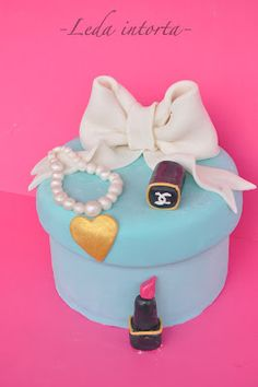 Fashion cake...Tiffany & Chanel <3