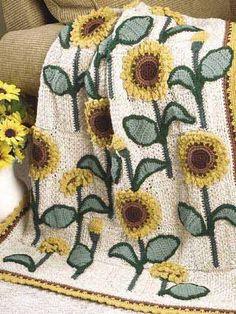 Sunflowers Lap Warmer Free crochet afghan pattern link on freepatterns Crochet Crafts, Yarn Crafts, Crochet Projects, Free Crochet, Sewing Crafts, Knit Crochet, Crochet Sunflower, Sunflower Pattern, Crochet Flowers