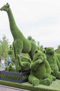 Easigrass' showstopping animal-themed display