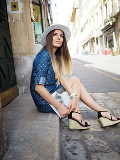 Fashion blogger Vaida in the Boden denim spot shirt dress and black helen wedge sandals in sunny Provence, France. Click to see her blog post.
