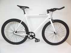 White and Black Fixie with Bullhorns Single Speed Fixie Bike with Flip Flop Hub By Sgvbicycles Fixies (55cm). 2014 Model with many upgrades Custom built for comfort and durability. Fixie bike with Super Deep-V rims and a flip-flop hub so you can ride fixed-gear or single-speed Quando Flip-flop Hub 32H. with fixed gear cog lock ring and freewheel included, water bottle mounts, Radius Brakes and KMC Chains. Hand-built UrbanComfort frame is perfect for cruising on the beach, an alley cat…