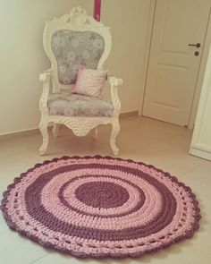 Crochet rug, childrens rooms, pink and brown carpet, vintage style. enjoyed every moment of making it.