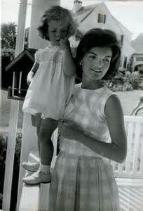 Jackie Kennedy and Caroline  #johnfkennedy #johnfkennedyquotes #kurttasche