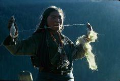 Himalayan woman spinning - photo by Eric Valli