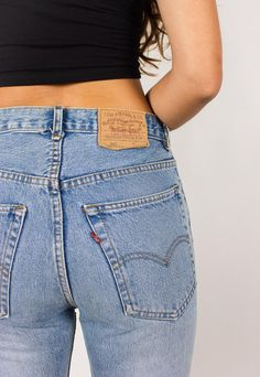How to Shop For the Perfect Vintage Levi's: A Complete Guide. Because Mom Jeans are trending, people.