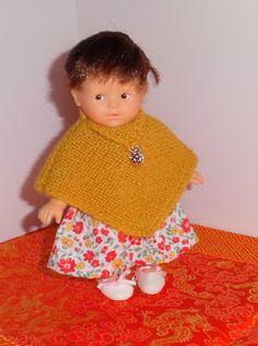 Préparer l'hiver: un poncho au tricot pour Prune, ma mini Corolline (avec explications)